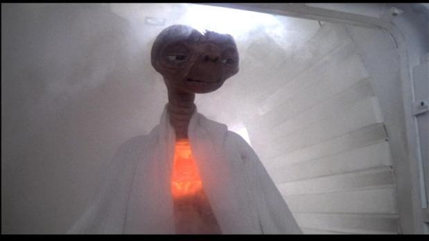 ET with glowing heart