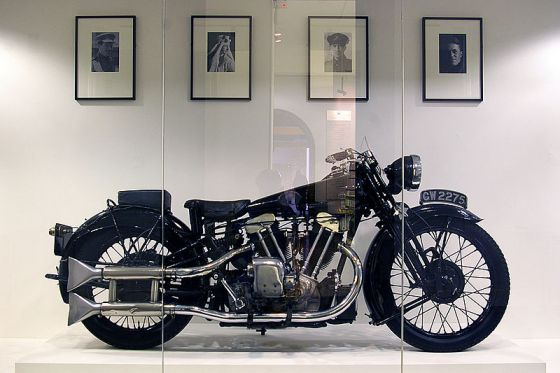 800px-Brough_Superior_of_T_E__Lawrence